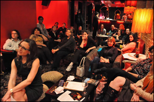 A rapt audience, including Yours Truly (foreground) looks on.