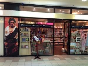 Melbourne_RendezVous Romance Bookstore_Facade_Mzarch_11_2013